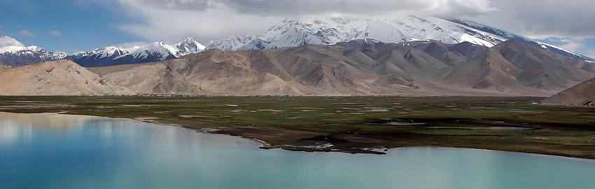 Les merveilles de la nature avec le lac Karakul